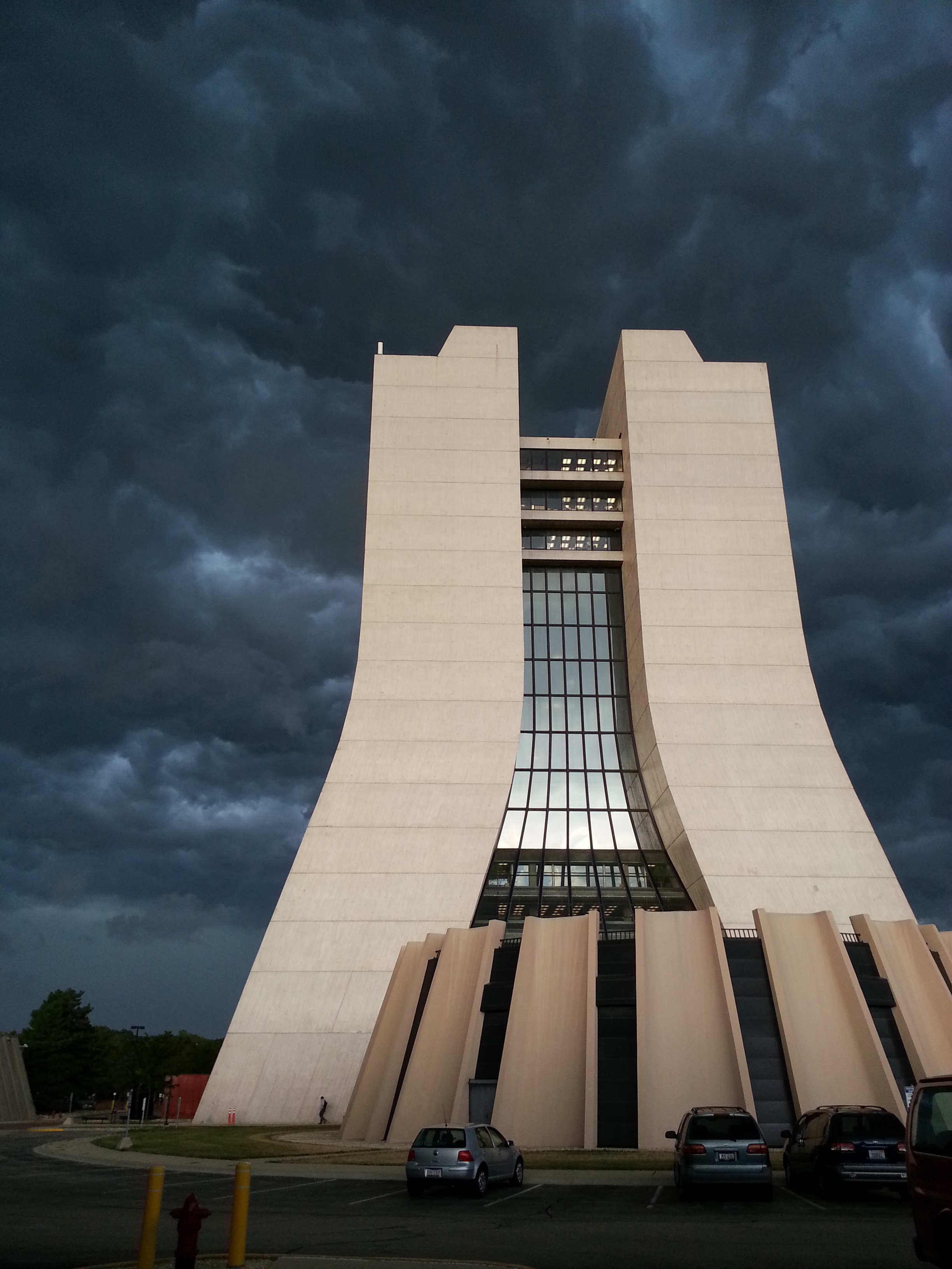 Tenebrous clouds passed over Wilson Hall as a storm rolled in on Friday. Photo: John Kuharik, AD