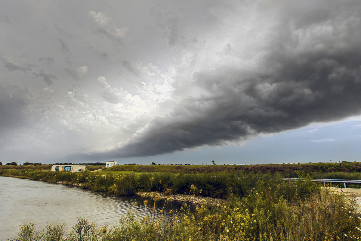 Monday's long shelf cloud, seen near the C4 service building on the Tevatron ring. Image: Marty Murphy, AD