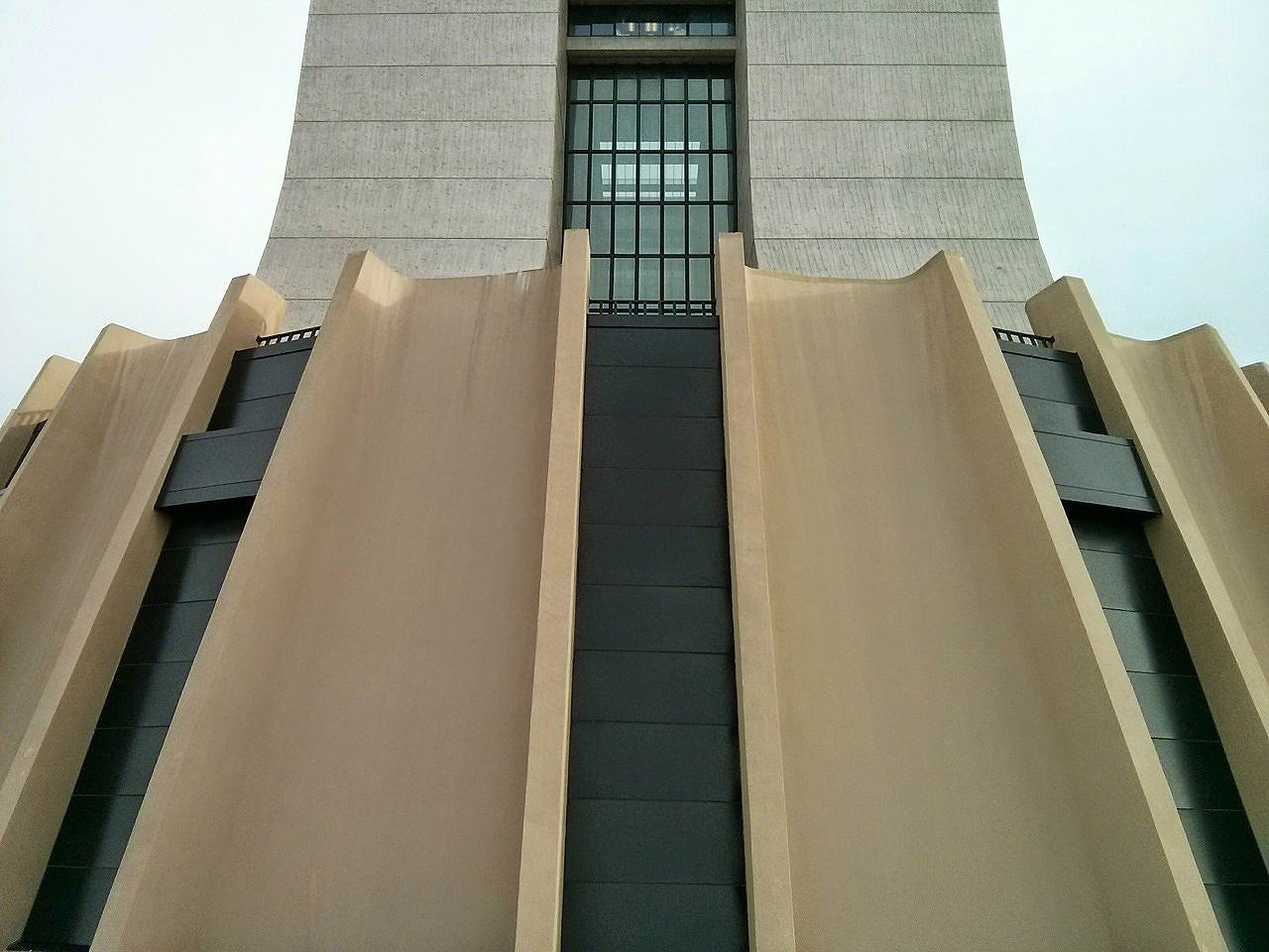 The up-close view of the south side of Wilson Hall, along with the exterior of Ramsey Auditorium, is a rarely appreciated aspect of the building. Photo: Georgia Schwender, OC