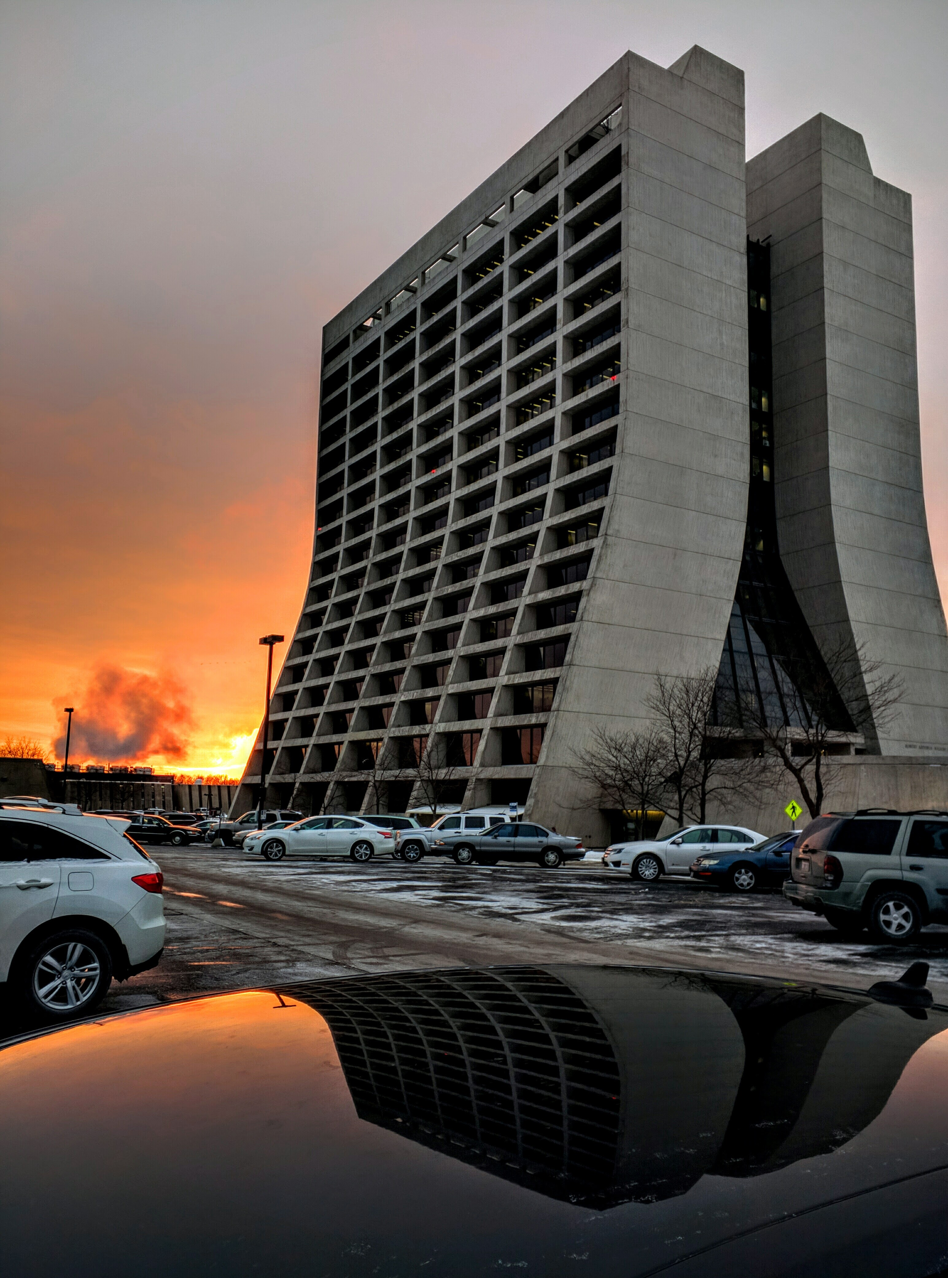 The sun sets behind Wilson Hall. Photo: Valery Stanley, WDRS