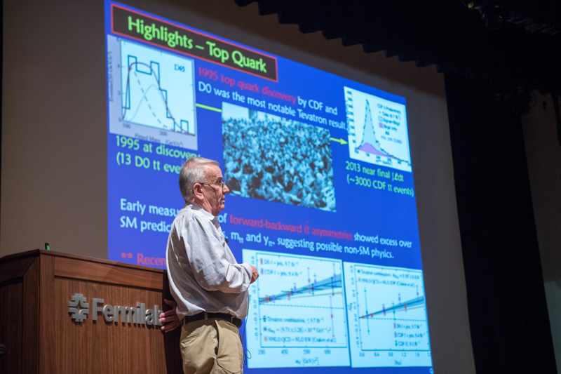 DZero co-spokesperson Paul Grannis of Stony Brook University gives an overview of the analyses from the CDF and DZero experiments. Photo: Reidar Hahn