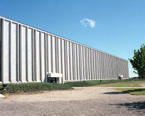 This shows the Industrial Center Building in 1986. Photo: Fermilab