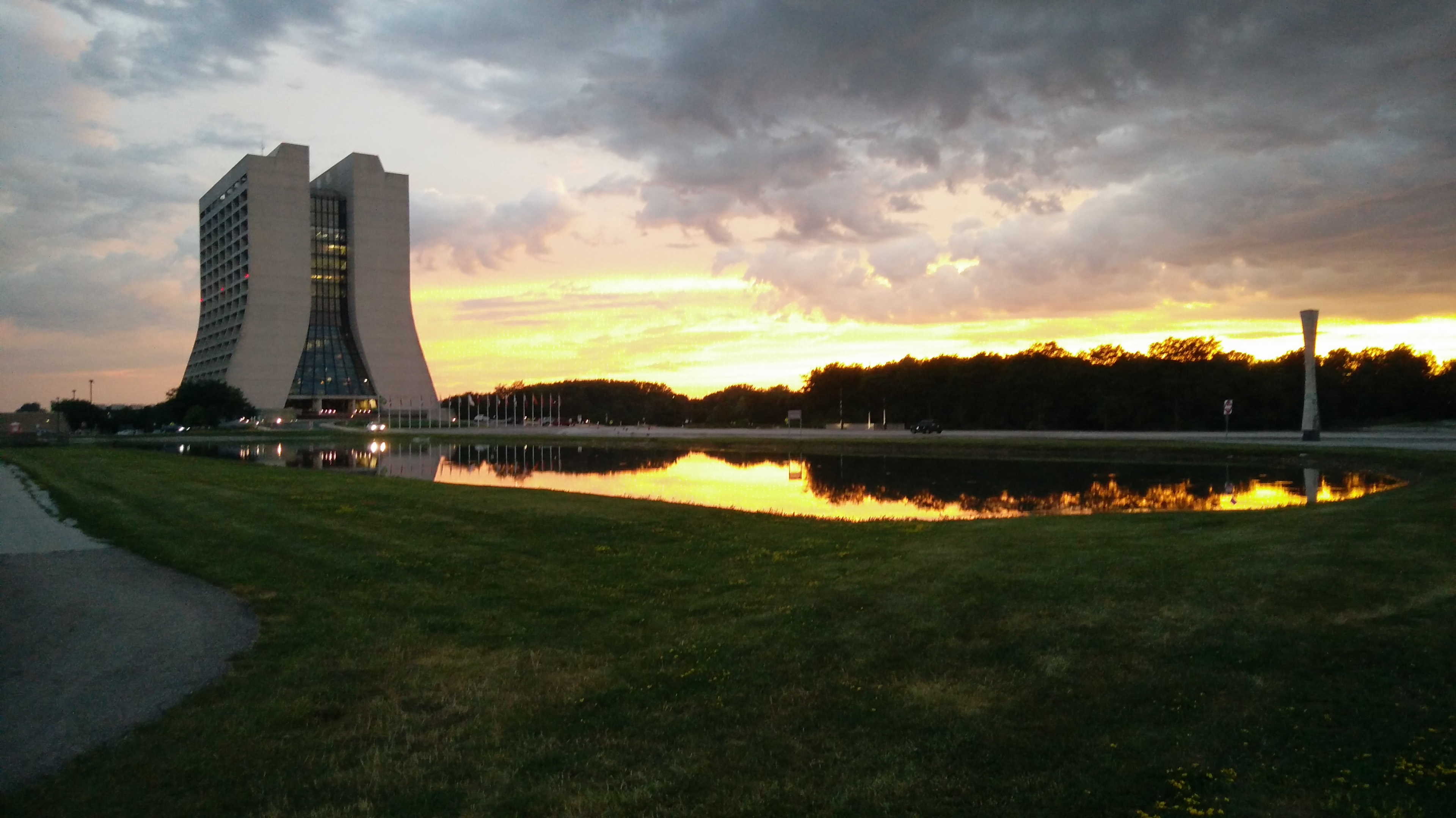 (2/4) nature, landscape, sky, building, Wilson Hall, cloud, sunset Photo: Piyush Jain